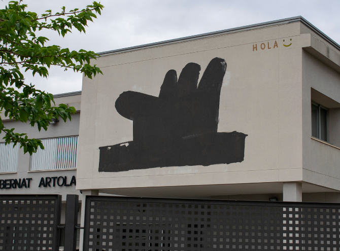 Pintura mural de Escif en el CEIP Bernat Artola. Foto: Rocío Murillo