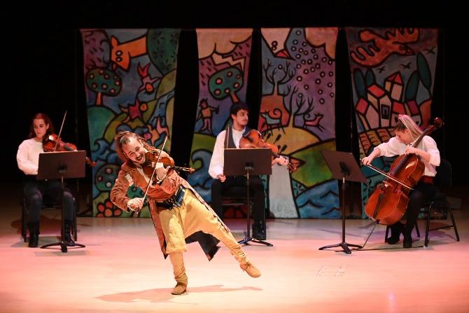 'El meu primer Vivaldi' de Ara Malikian, el primer concert d'aquest cicle d'activitats familiars. Foto de Slowphotos Fotògrafs