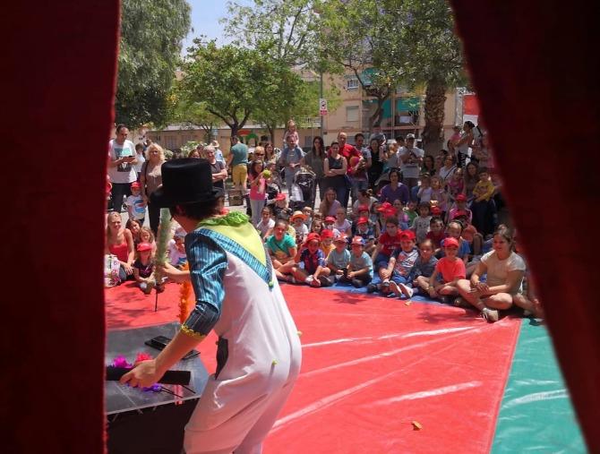 La Troupe Malabó representarà 'Abracadabra' el 6 de setembre a les 19.30 en l'Àgora de Rural Nostra.