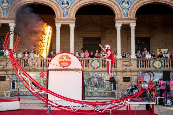 Mortelo & Manzani representaran en el frontó municipal a les 19.30 'Fili Busters' el dia 4 de setembre.